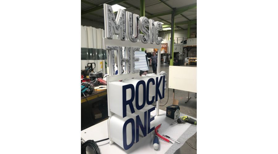 Music the rocking one