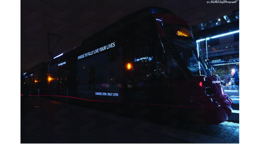 1er Tramway lumineux au monde